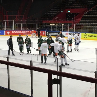 Frolunda training
